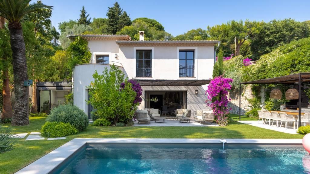 Gated estate - nice fully renovated villa