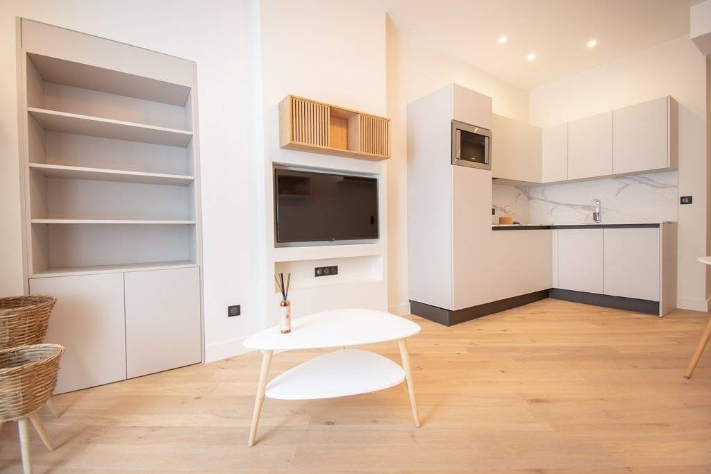 property_areas:8 property_flooring:1