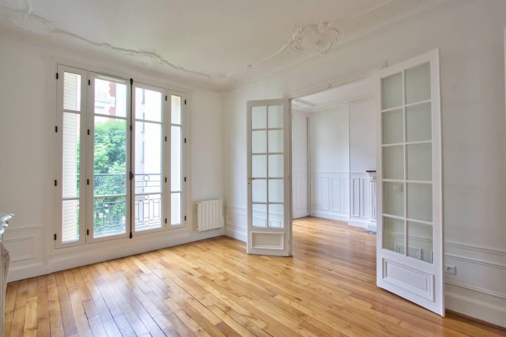 PARIS 17/Porte Maillot - UNFURNISHED THREE BEDROOM APARTMENT