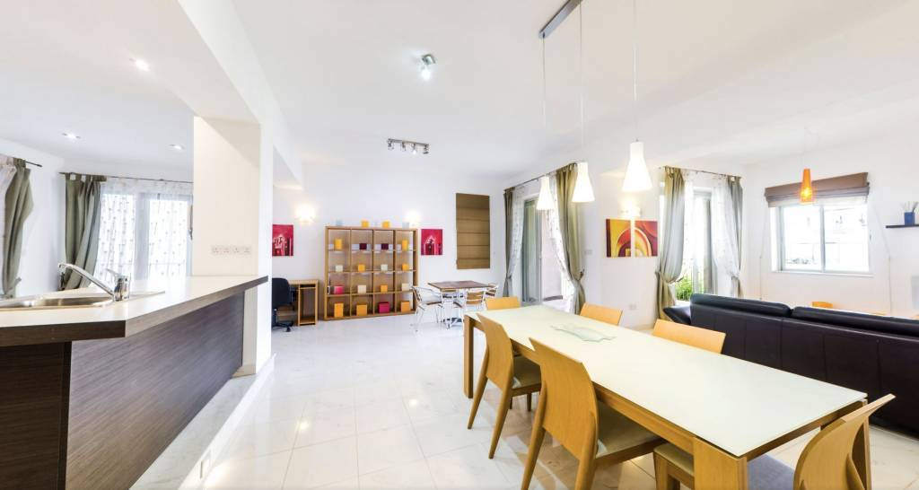 property_areas:22 property_flooring:2 : general:7