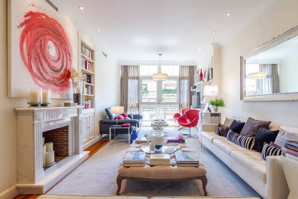 Bright and modern family flat
