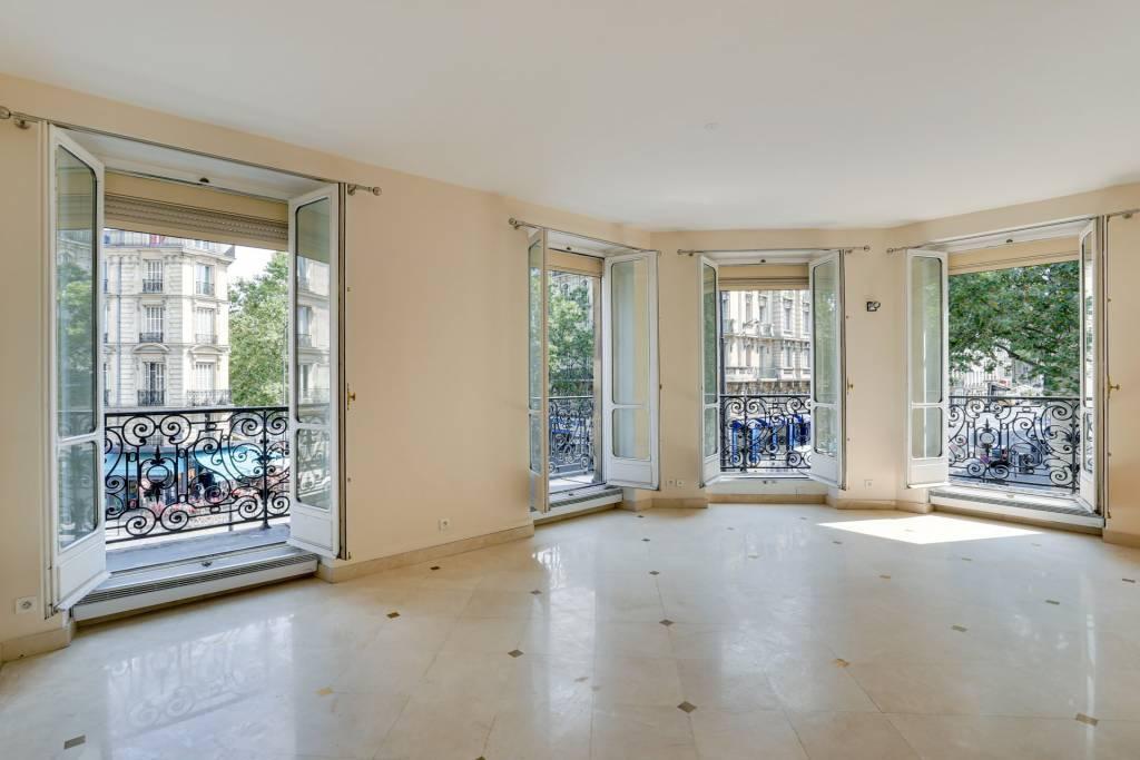 PARIS 5 / GRAND PALAIS -  2 BEDROOMS APARTMENT