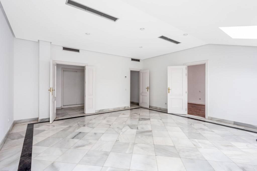 Nice apartment in Claudio Coello
