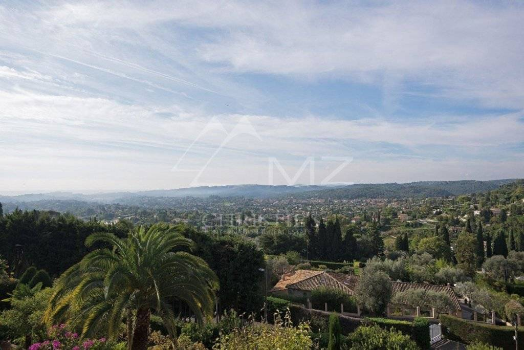 FOR SALE -   SAINT-PAUL DE VENCE - CHARMING VILLA CLOSE TO VILLAGE