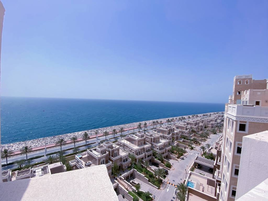 Remarkable Penthouse with Spectacular Sea Views On Palm Jumeirah