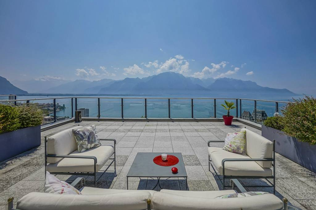 Amazing penthouse offering a sumptuous view