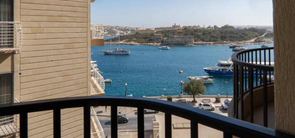 Seaside Apartment in Sliema