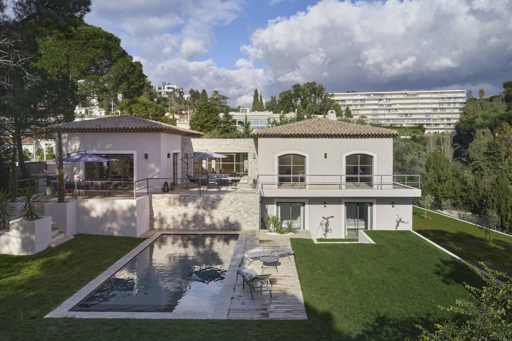 Superbe villa moderne close to the centre