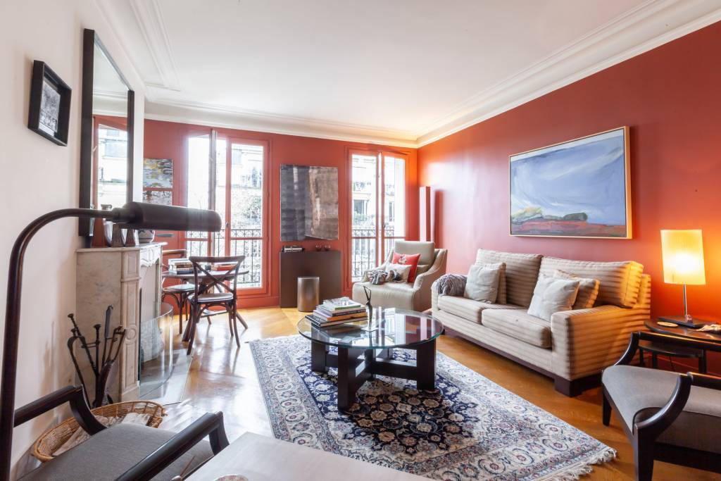 100531 GlamourApartments apartment living_room sales