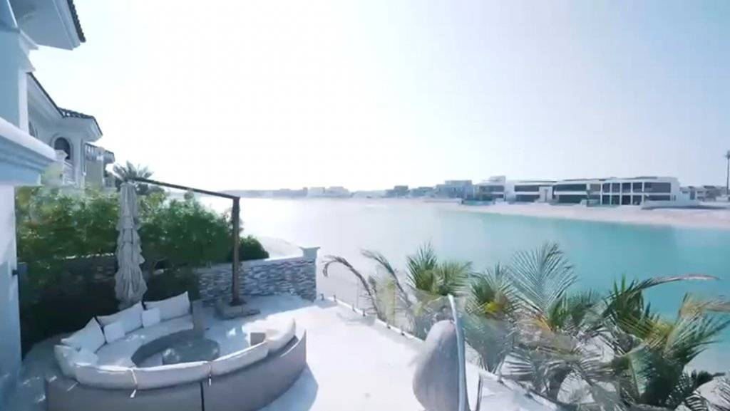 Bespoke 4 Bedroom Villa With Private Beach On Palm Jumeirah