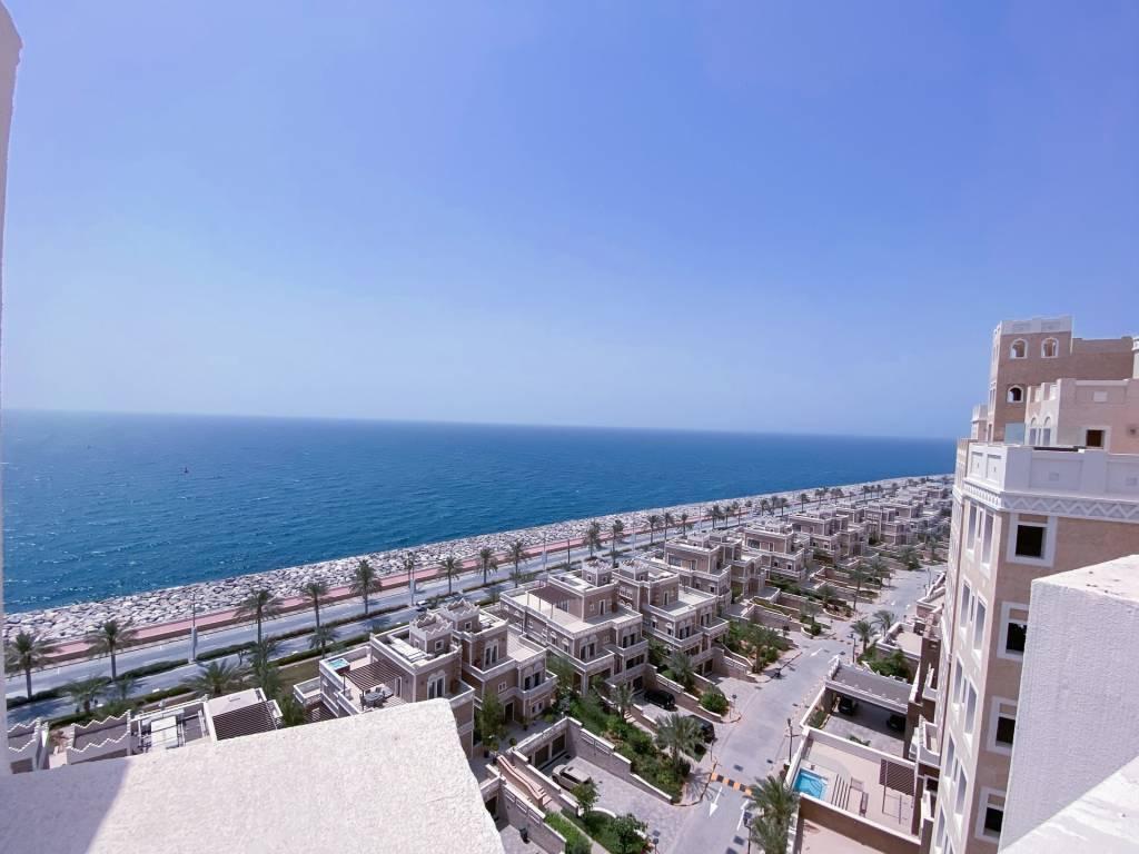 Royal Beachfront Penthouse in Balqis Residence