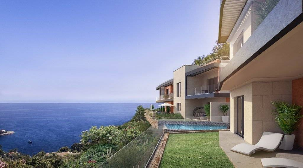 High standing flat in the heights of Eze