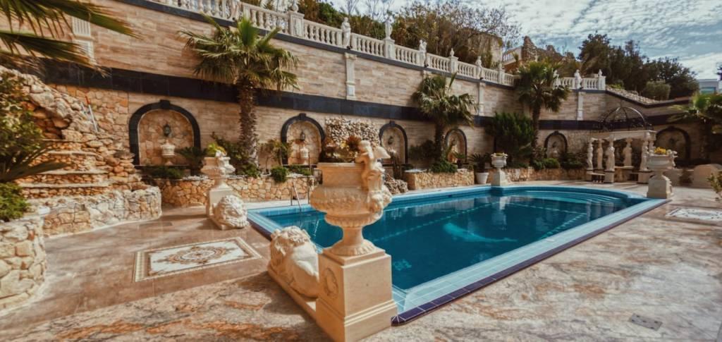 Exquisite fully detached Villa in santa Marija Estate
