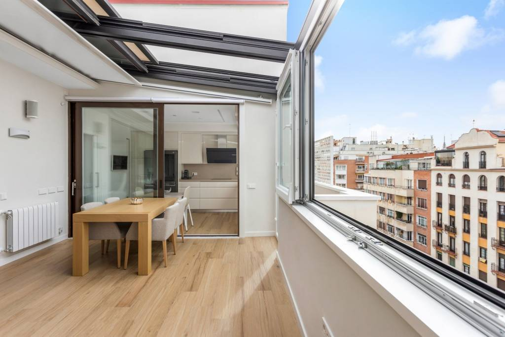 Refurbished Penthouse in Ortega y Gasset