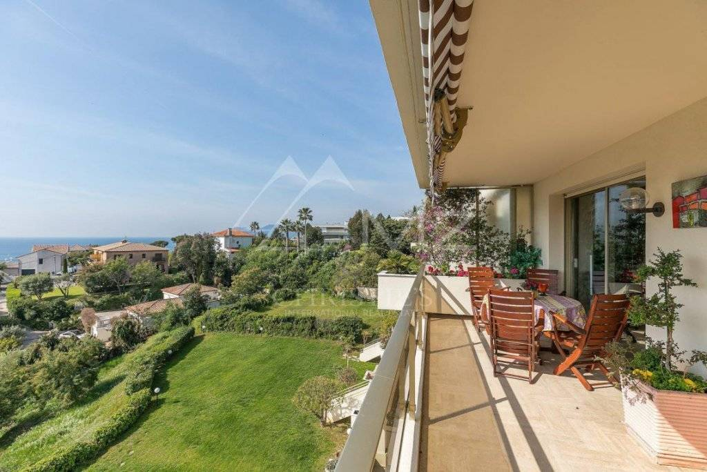 Splendid Apartment For Sale in Cannes France