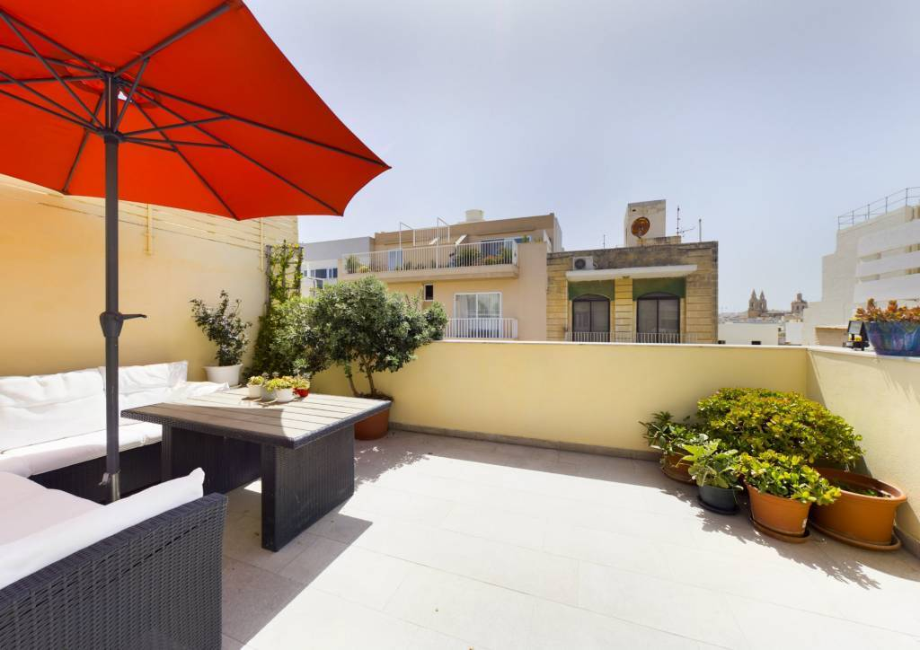Bright Two-Bedroom Penthouse in the heart of Sliema