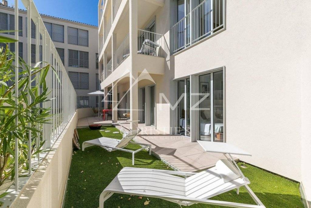 FOR SALE - SAINT-TROPEZ - CITY CENTER - APARTMENT IN A NEW STANDING RESIDENCE