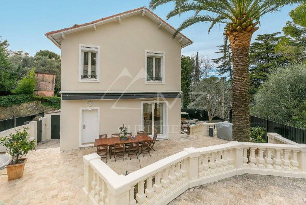 Splendid Townhouse For Sale in Cannes France