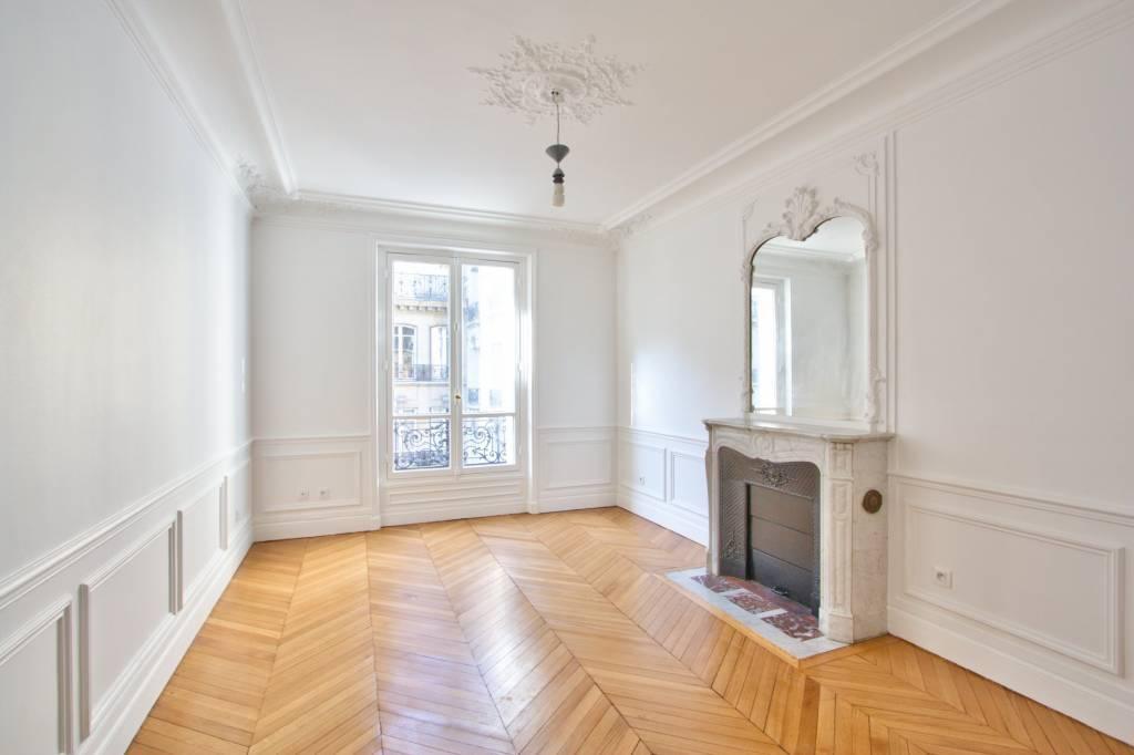PARIS 17 / VILLIERS - UNFURNISHED 2-BEDROOM APARTMENT